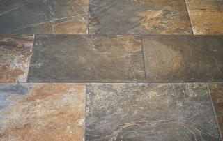 Bodenplatten aus Feinsteinzeug | © H+M Wohnkeramik
